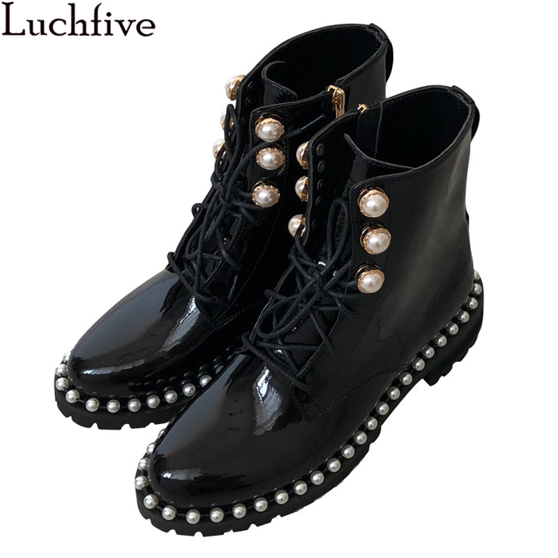 2018 Winter Women Motorcycle Boots platform flat Botas Mujer pearled cross tied string beaded patent leather Ankle Boots female2018 Winter Women Motorcycle Boots platform flat Botas Mujer pearled cross tied string beaded patent leather Ankle Boots female