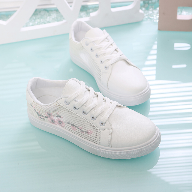White Casual Sneakers Flats Women Canvas Shoes Spring Autumn Lace-up Flower Casual Ladies Shoes Woman Tennis Feminino