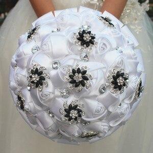 Image 3 - Wifelai um branco puro rosa flor preto broche buquês de casamento de cristal nupcial buquês de casamento flores personalizado