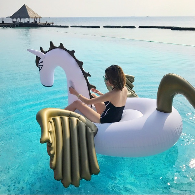 Giant Inflatable Swimming Pool Float Pegasus Summer Outdoor Beach Water Toys Rest Lounger Air Mattress Raft Piscina 2.5*2.5*1.3M
