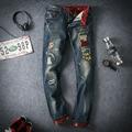Nuevo 2016 japón estilo distrressed y tecnología de bordado jeans hombres vaqueros puños pantalones vaqueros hombre más el tamaño 28-46 / NZK7