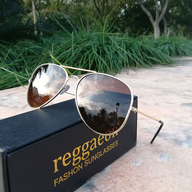 f6f409917aecd 2019 Raggaeon clássico da moda quente homem mulheres óculos de sol piloto  Polarizada óculos de sol