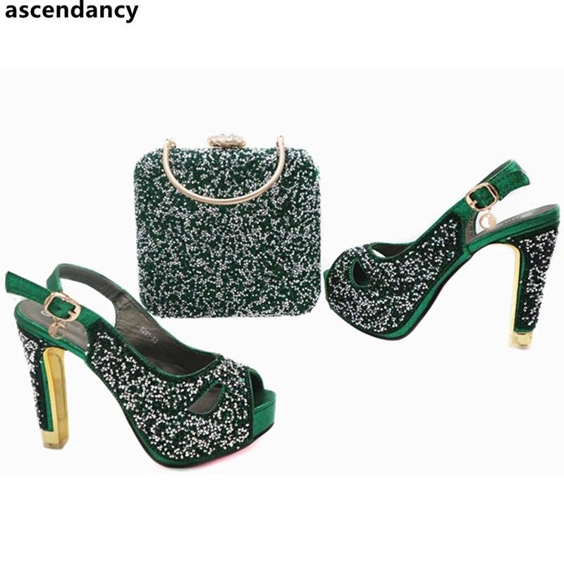 c72a01177c622 Juego Último Zapatos oro rojo verde Bolsos Decorado Azul Cielo Color Con  Africano Verde fuchsia Y ...