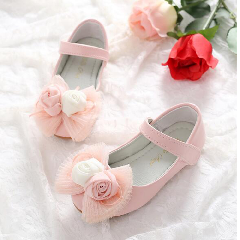 2017 New Style Hot Sale Childrens Shoes Lace Flowers Princess Shoes Small Girls Casual Shoes Students Shallow Mouth Shoes Gifts