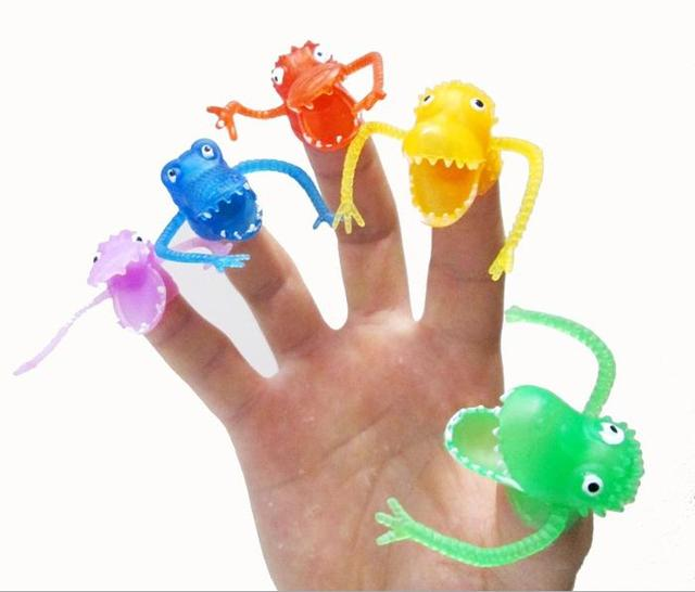 50PCS/lot Soft dinosaur toy ring, 4-4.5CM dinossauro brinquedo, finger dolls for telling story