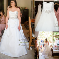 Simple Design A Line Princess Wedding Dresses Strapless Satin Fabric with Crystals Beaded Sashes Church Bride Party Gowns