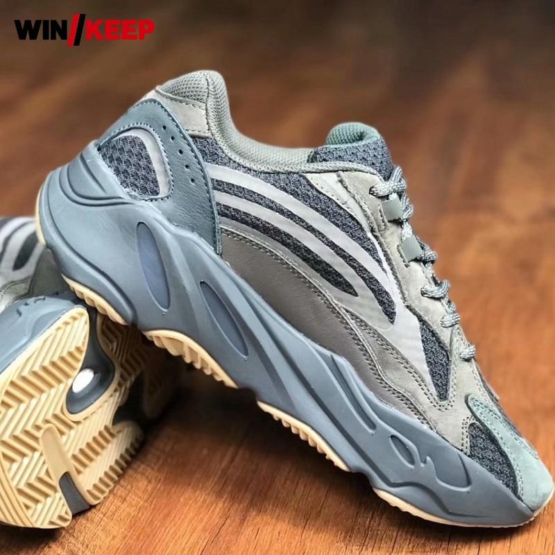 2019 Hommes chaussures de course chaussures de sport Marque Athletic Jogging En Plein Air chaussures de marche Amoureux Rétro Plat Avec chaussures de gymnastique grande taille