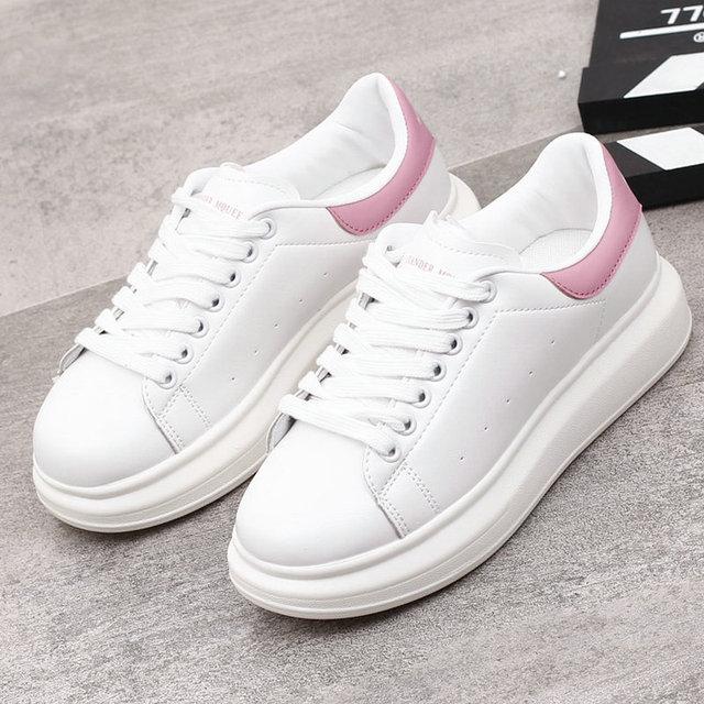 97e6e4286 2018 Весенние новые дизайнерские белые туфли на танкетке, женские кроссовки  на платформе, женские теннисные