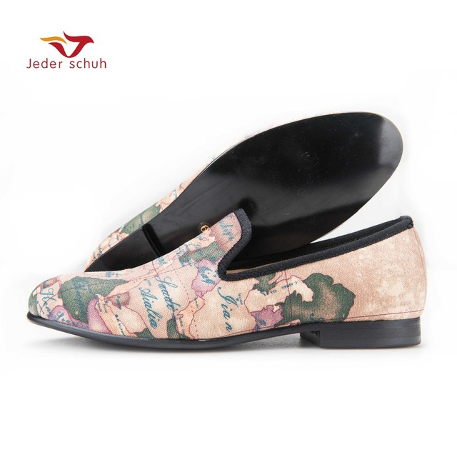 Jeder Schuh handcraft men fabric shoes with globe printing British design  men smoking slippers men casual shoes Party men loafer bad25953ec5f