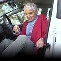 BreaDeep Coche Manija Portable Apoyo Auto Ayuda Grab Bar Vehículo Herramienta con Ventana Automático y Cortador de Cinturón de seguridad de Escape de Emergencia