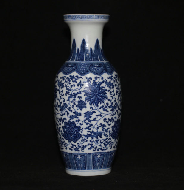 Exquisite Chinese Antique Handmade Blue And White Porcelain Flower
