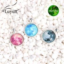 Luyun new fashion luminous planet pendant crystal glass alloy necklace customizable pattern