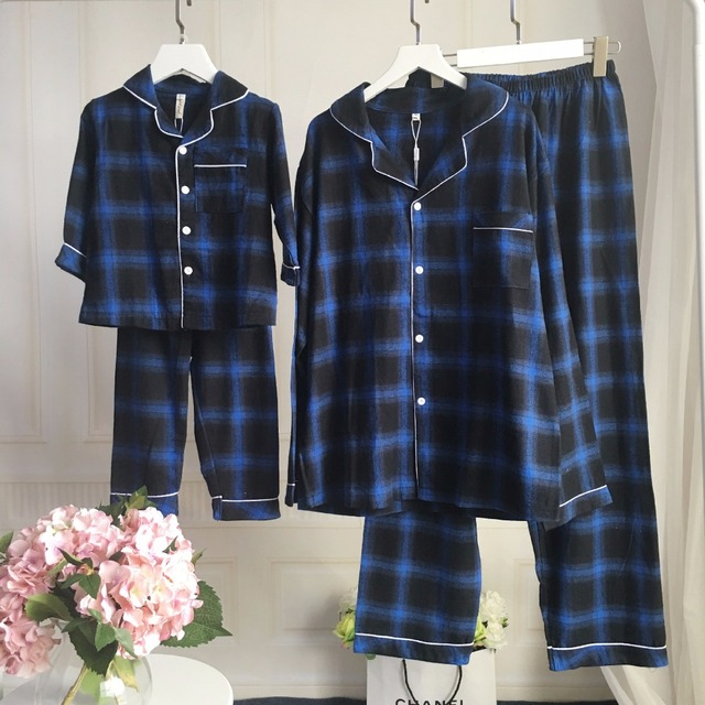 Family Clothing Pajamas Sets Cotton Plaid Matching Mother Daughter Clothes Father And Baby Son Clothing Sets Hollow Out Tops Set