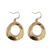 Fashion Designs Jewelry Metallic Surface Earrings For Women