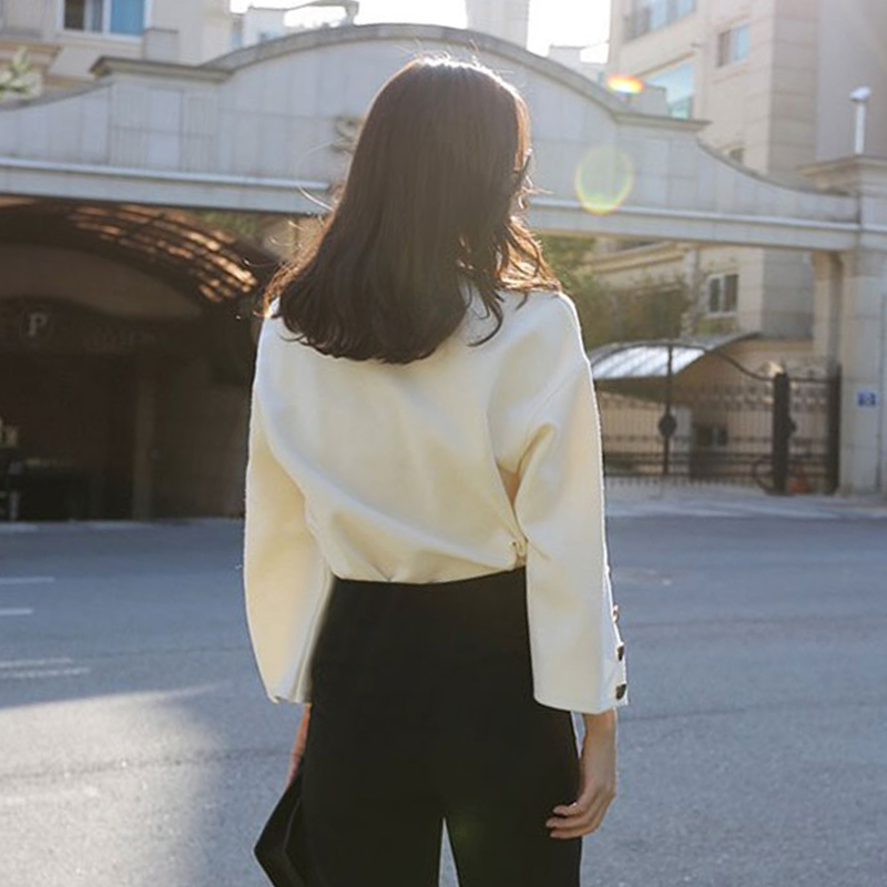 Flare Sleeve Split O-neck Modest Top 3