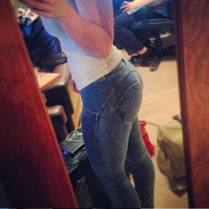 Sexy girl jeans butt