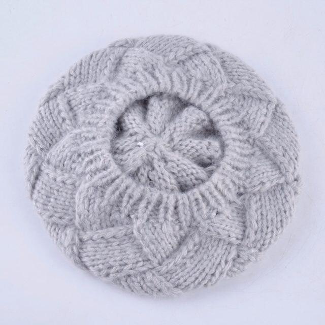 Invierno boinas de las mujeres Real conejo piel PomPom sombrero de lana de  punto de las señoras otoño gorras planas boina femenina sombreros para las  ... c4f5f1448af