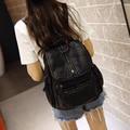 Мода Черный Цвет Мыть кожаные Рюкзаки Корейский Стиль 2016 Заклепки Женщины Рюкзак Ежедневно Дорожные Сумки