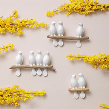 Wall Decoration Ideas With Birds Hanging