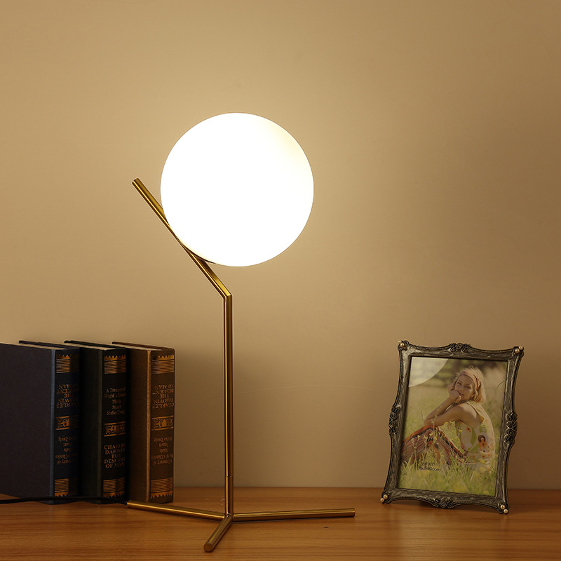 Free shipping Nordic glass ball table light art decoration desk lamp for bedroom/study room bedside table lighting,Floor lamp nordic floor lamp brokis balloons glass floor lamp bedroom bedside lamp for living room study standing lamp light fixtures