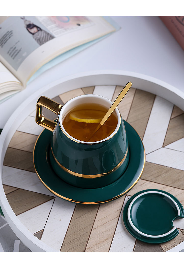 gold-cup-and-saucer_03
