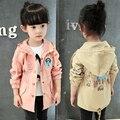 Niños ropa bebé niñas chaquetas con capucha oso de dibujos animados de impresión fosa de abrigo bebé de la capa de ropa niñas chaqueta de primavera