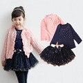 2017 nova Primavera do bebê meninas define 3 peças terno meninas rosa flor casaco + camisa azul T + saia tutu meninas roupas rendas