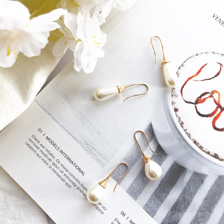Viennois Drip Simulated Pearl Earrings Long Temperament Lady Quality Personality Joker Exceed Immortal Girl Heart Ins Earring in Drop Earrings from Jewelry Accessories