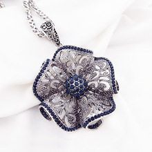 Vintage Flower Long Pendant Necklace Women New Fashion Jewelry Wholesale Sweater Necklaces Christmas Gifts