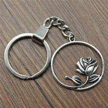 цена Men Jewelry Key Chain Party Gift Keychains Dropshipping Jewelry 36x33mm Flower Antique Silver Key Rings