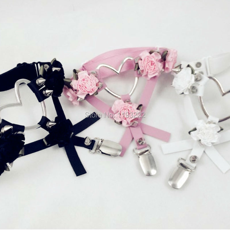Nette Mode Entworfen Leder Oberschenkel Harness, Kreuz Blume Floral Bein Strumpfband Punk Rock Big Herz Spikes Strumpfband Gürtel Ring
