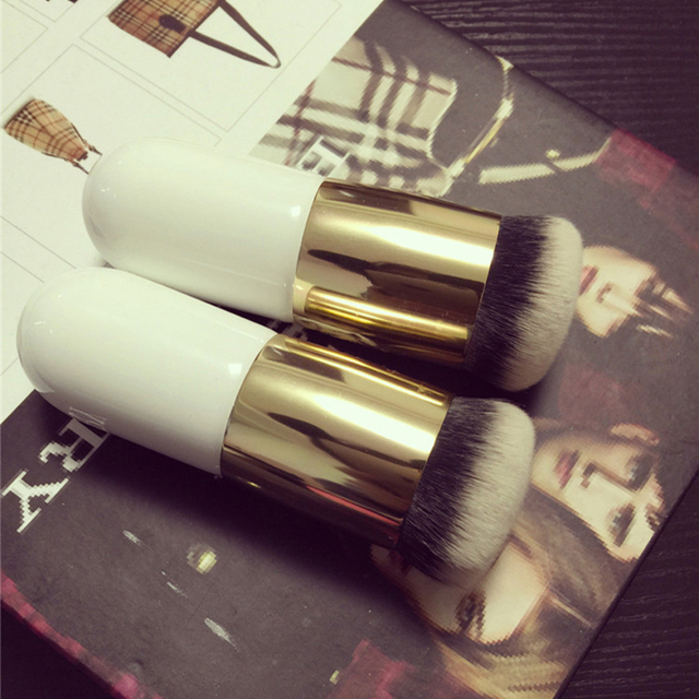 Round Face Makeup Brush for Liquid Foundation