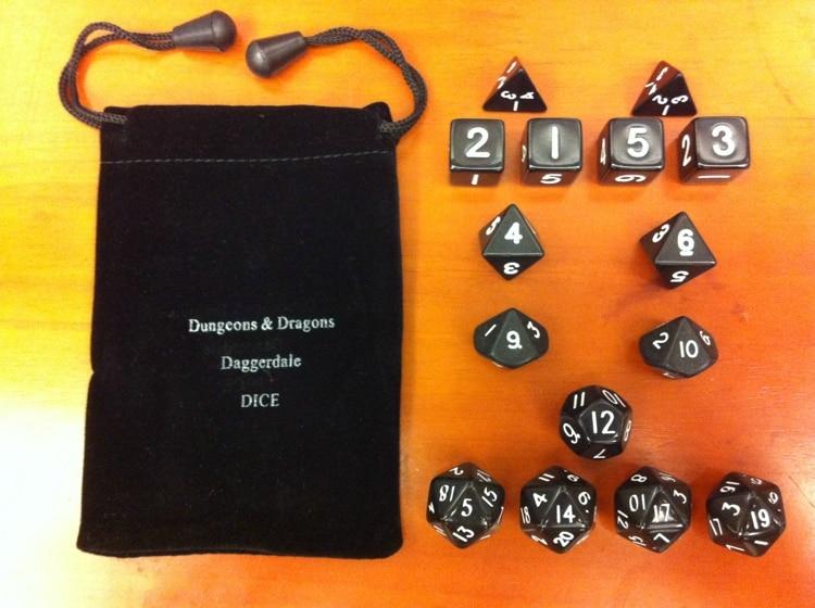 """""""Магични реквизити, игре за тамнице и змајеве коцке [15 зрна црног одела, пошаљи торбу]"""