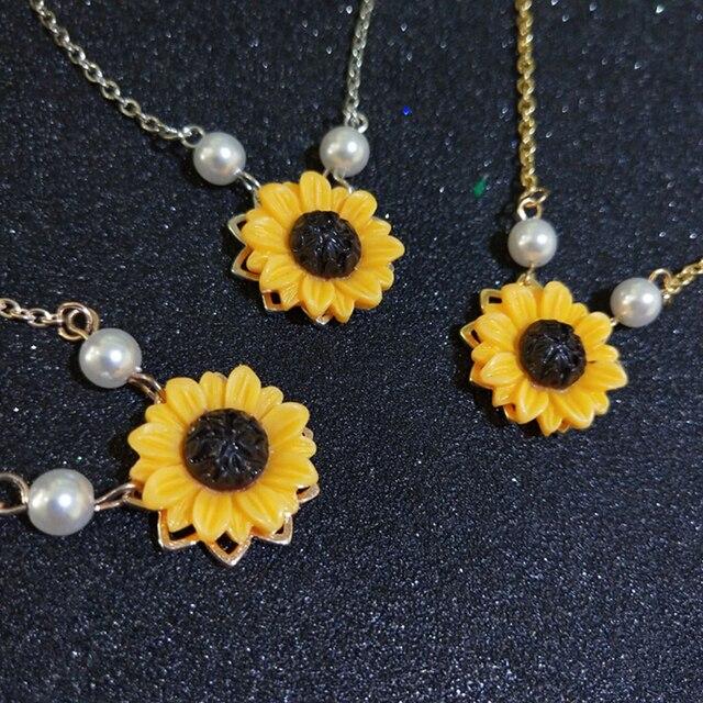 be584da7bfbd Nuevo girasol collar de perlas de imitación amarillo girasol colgante  joyería 3 colores oro plata oro