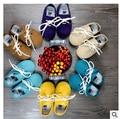Nova Couro de Vaca Genuína Mocassins Macio Moccs Bebê sólida rendas até Sapatos firstwalker 2015 Recém-nascidos Do Bebê Anti-slip Infantil sapatos