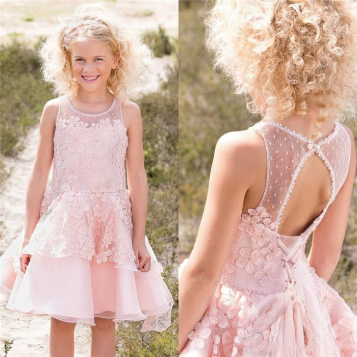 Pink Flower Girls Dresses Sheer Jewel Neck Girls Party Birthday Gowns Knee Length Tiered Tulle Appliques Kids Pageant Dress Pink Flower Girls Dresses Sheer Jewel Neck Girls Party Birthday Gowns Knee Length Tiered Tulle Appliques Kids Pageant Dress