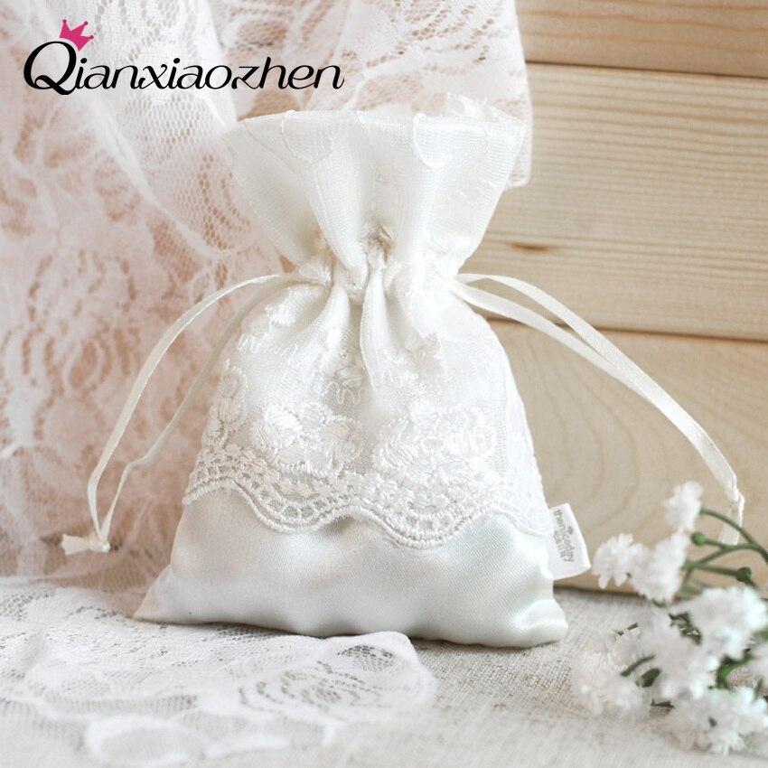 Qianxiaozhen 50pcs Lace Wedding Favor Pouch Favor Box Wedding Candy Box Lembrancinhas Casamento Wedding Favors And