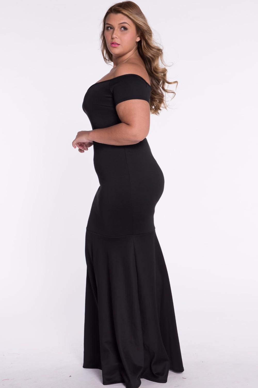 Black-Plus-Size-Off-Shoulder-Fishtail-Maxi-Dress-LC60884-4