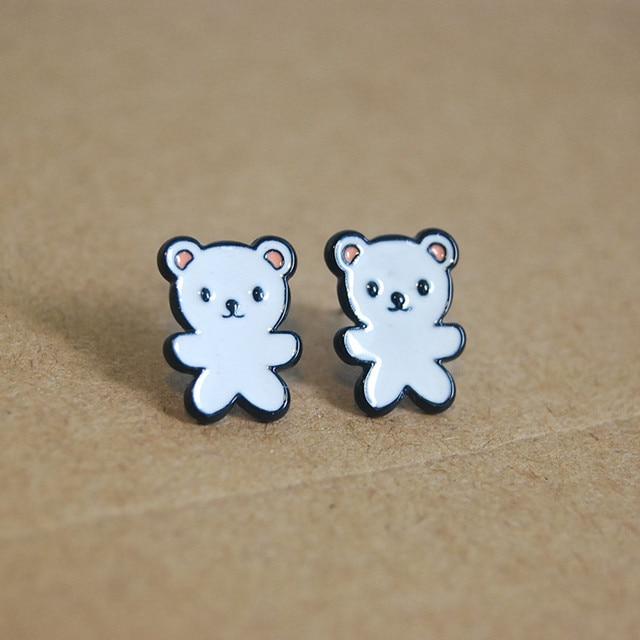 Сережки гвоздики белый медведь сплав 2