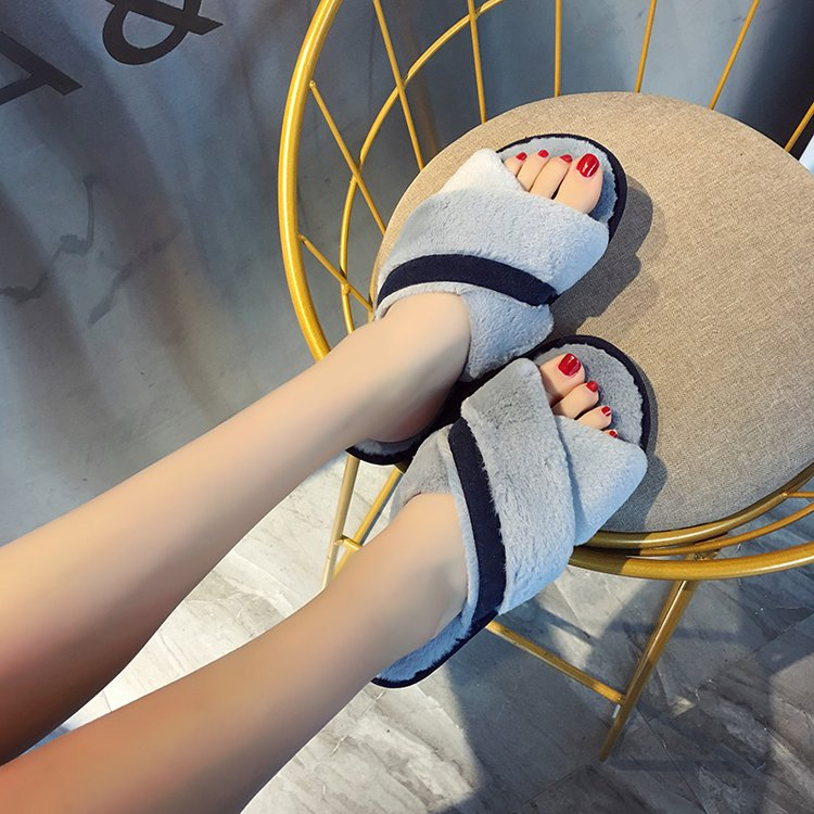 Liren 2019 Indoor Slippers Small New Female Slippers Comfortable Twist Braided Open Toe Slippers Flat Crystal Slide Fashion Lady in Slippers from Shoes