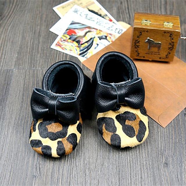 Nuevo hecho a mano de Leopardo de Cuero del pelo del Caballo zapatos de Bebé Primer Caminante Bebe recién nacido inferior Suave zapatos Mocasines arco borla
