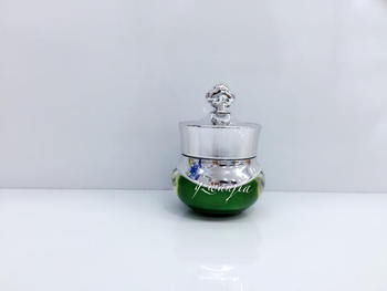 wholesale 100pcs plastic 5g green upscale Crowne mini Cream bottle with silver cap , buy Acrylic cosmetic 5g  jar for sale