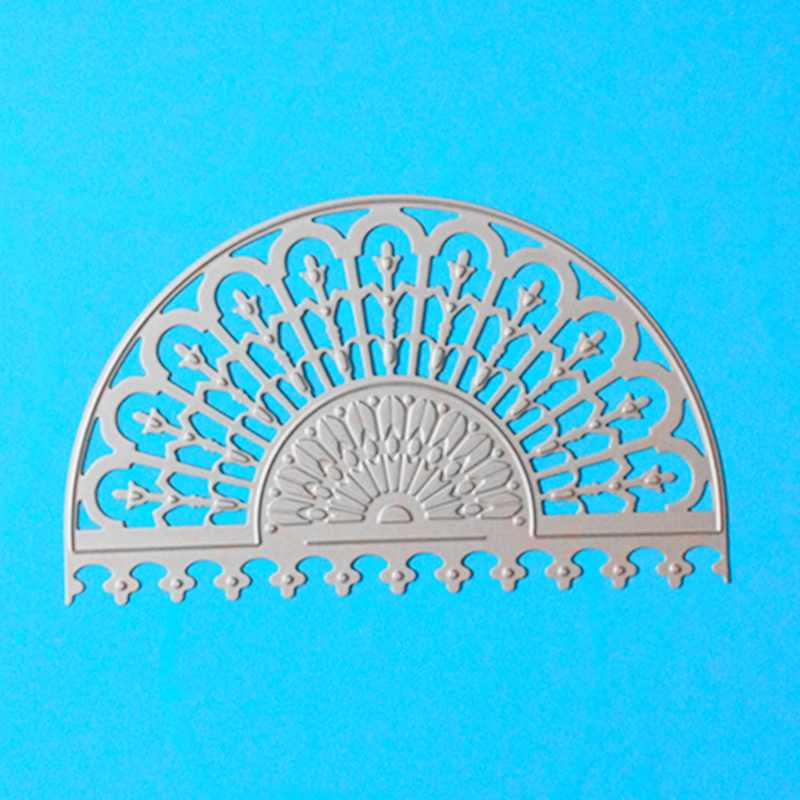 YLCD736 Peacock Screen Shoe Metal Cutting Dies Pentru scrapbooking Stenciluri DIY Album Carduri Decorare Folie de relief Embosare Die Cutter