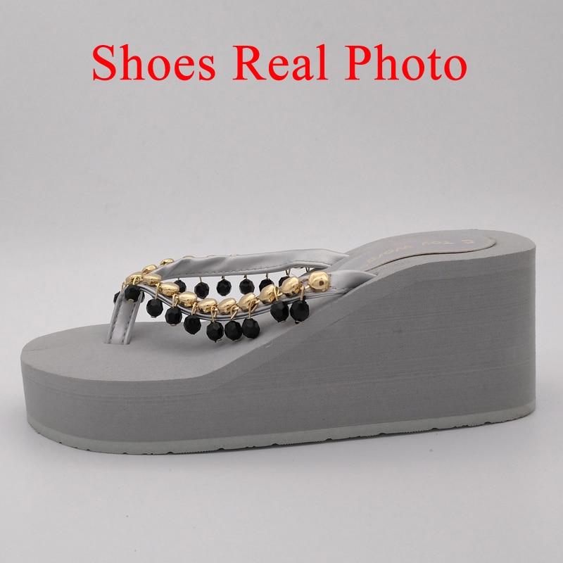 cc94e290933 2019 forme gris D été Hauts Tongs Perlé Plate Mot De Chaussures Chaussons  noir Compensés E Plage Beige Talons marron Jouets ...