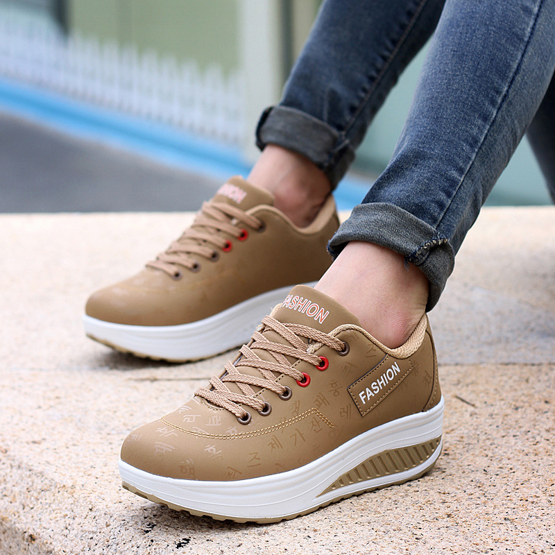 Women Sneakers 2020 New Arrival Fashion Pu Leather Waterproof Wedges Platform Women Shoes Tenis Feminino Breathable Shoes Woman