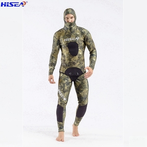 Image 3 - Hisea 3.5 mm Men Camo Diving suit YAMAMOTO SCR Neoprene Spearfishing Suit warm With hat Hooded freediving Smooth shin Wetsuit