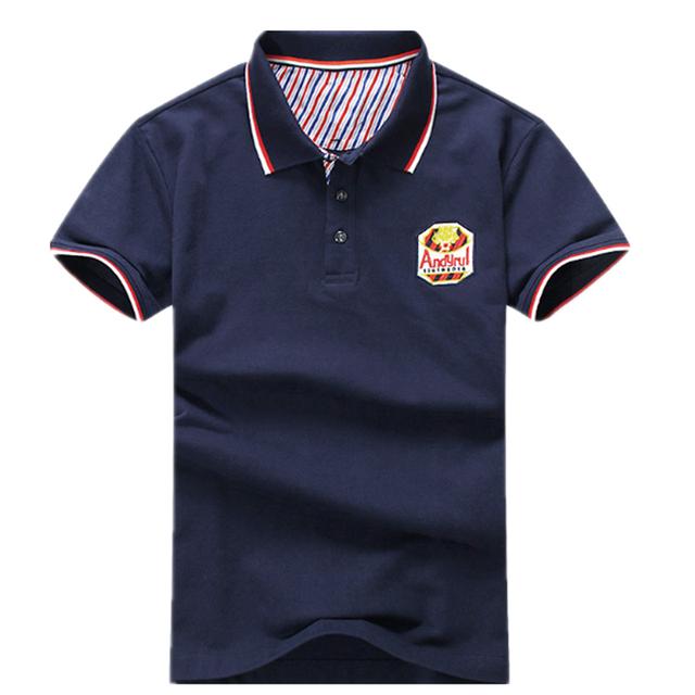 Bordado Camisa de Polo de Hombres de La Venta Caliente 2016 hombres del Verano Sólido de Manga Corta Slim Fit Empalme Camisa de Polo de Los Hombres de Moda de Europa y EE.UU. Tees