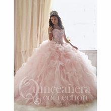 Lovely Pink Ball Gown Sweet 15 Dresses 2017 Beaded Quinceanera Dresses with Detachable Train Floral Prom Debutante Gown QS15