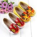 Línea de Relieve tallado zapatos masculinos de las muchachas 2013 otoño mocasines gommini solos zapatos de la princesa de cuero 24-36