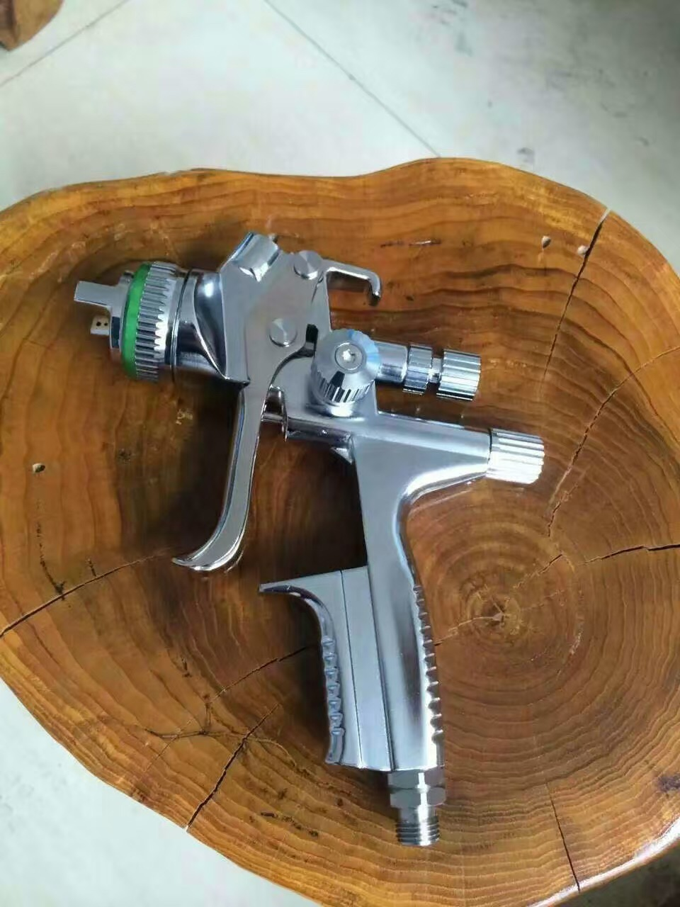 HIGH QUALITY JET5000B-120 HVLP PROFESSIONAL GRAITY Feed SPRAY GUN with 1.3mm nozzle air pneumatic spray gun car body painting forged version jet 5000b hvlp jet gun gravity spray gun with 1 3mm nozzle 5000b rp 4000b rp pneumatic spray gun car spray gun